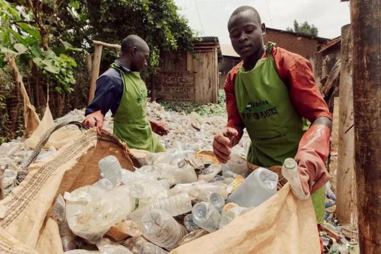 Mondkapjes van plastic voor Oeganda van TMC